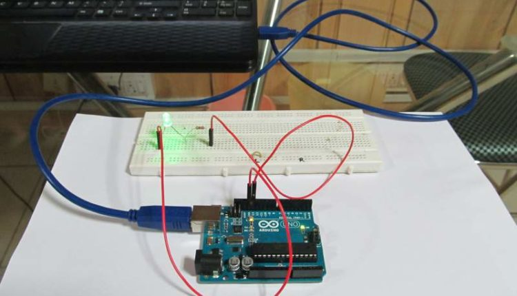 Blink_Led_with_Arduino